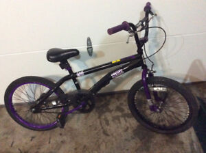LIKE NEW BOYS BMX 20 INCH BIKE