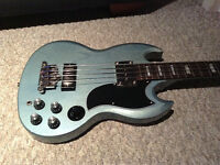Epiphone Ltd Edition bass .. Trade for pedals ?