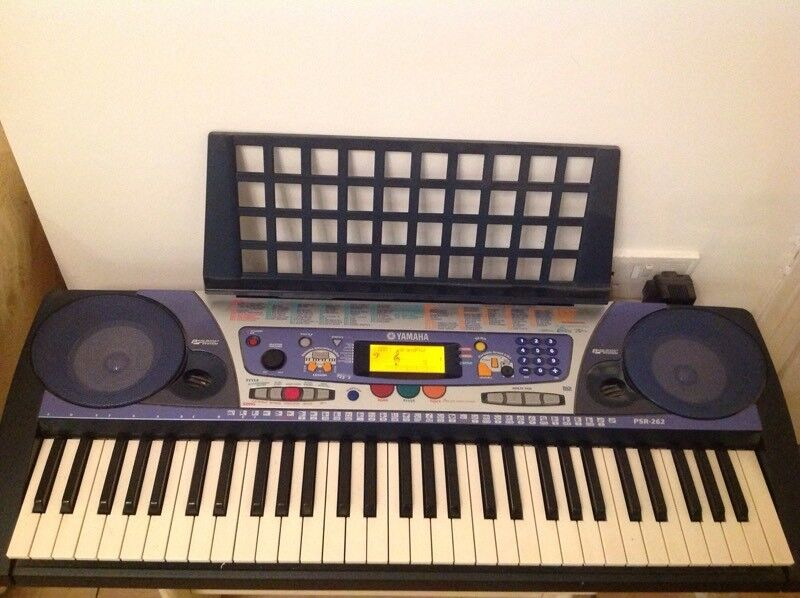 Yamaha PSR-262 keyboard plus adapter music rest and stand