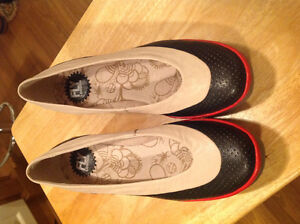 FLY LONDON SHOES Size 9