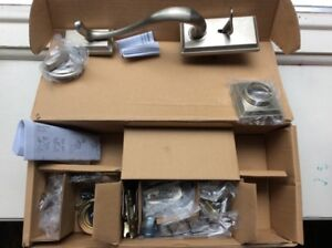Weiser Hawthorne Entry Door Handle and Lock (new in box)