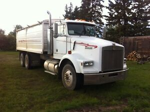 T 800 Kenworth 20 ft grain/silage box ,Fresh Safety Certified