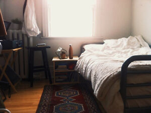 URGENT Room Bright, Sunny Apartment in the Plateau for September