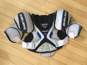 Various Jr. XL hockey gear