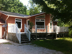 For Rent 5 bedroom 2 bath cottage rental Sauble Beach