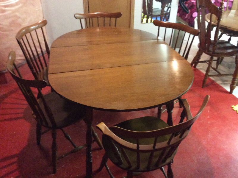 High Quality Solid Maple Vilas Dining Table And Five Chairs
