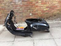 Piaggio Vespa lx 125 frame and full logbook and full service history 150