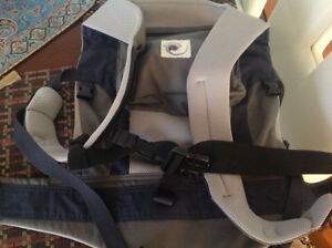 Ergo Organic baby  carrier with infant insert