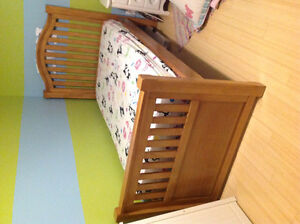 Gorgeous solid pine single twin bed