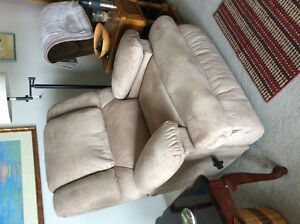 Massage Recliner - BRAND NEW