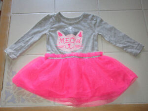 Girls grey/florescent pink dress in size 12/18mnths - Chil Place