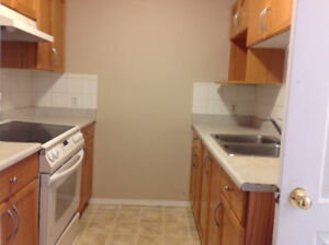 TownHouse for rent Available !
