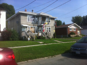 1+2 Downstairs apt Avail Jan 1st-includes heat and hot water. Cornwall Ontario image 4