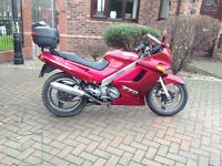 KAWASAKI ZZR 250 full year MOT £650 Ono ( could deliver local 30miles ??)
