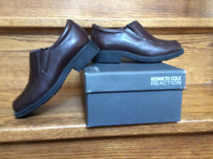 Chocolate brown leather dress shoes.  Size 11
