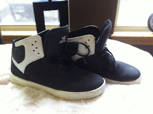 Supra high top shoes...barely worn... size 6 boys... blk/white