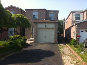 House for Rent in Scarborough @ Lawrence and Mornignside