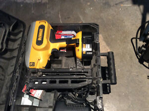 Dewalt 18 volt,16 gauge straight finish nailer XRP