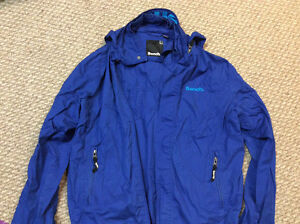 Blue Bench Jacket Size XXL15 dollars 4 others