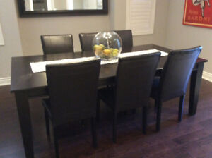 Dining Room Table and Chairs- 7 piece set
