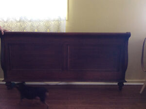 Queen size sleigh bed Cornwall Ontario image 3