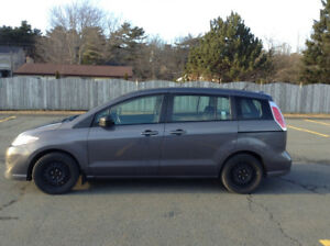 2010 Mazda5 ONLY 112,600 km 1 owner non-smoker lady driven