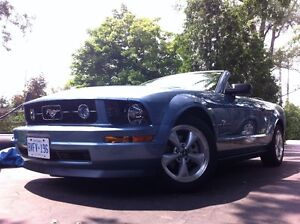 2008 Ford Mustang 4.0L V6 Convertible Kitchener / Waterloo Kitchener Area image 3