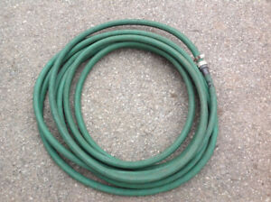 33 ft garden hose - no damage