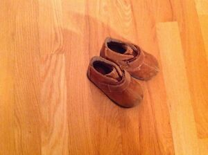 Baby shoes (Red Goose)