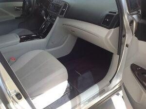 2010 Toyota Venza  V6 AWD SUV London Ontario image 6