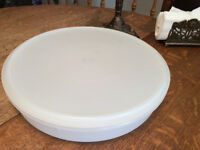 Vintage GRAND contenant ROND  TUPPERWARE blanc