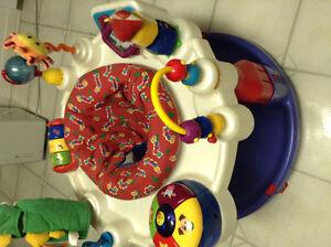 Baby Einstein activity saucer - table d'activite