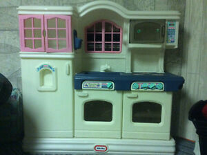 Little tikes kitchen Kitchener / Waterloo Kitchener Area image 2