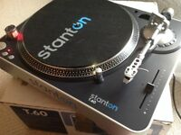 2 X STANTON T.60 DJ TURNTABLES + NUMARK MIXER