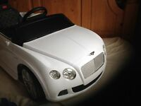 Children's sit in toy car Rastar Bentley remote controlled, charger, key novelty for kids