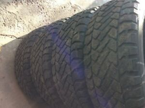 Pacemark SnowTrakker P215/60R16 ( 4 winter tires )