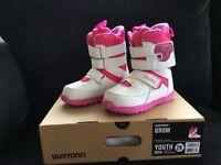 Girls Snow Board boots size 1 Burton