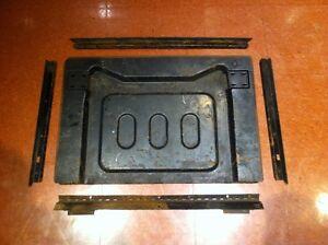 Trap door/Porte rabatable pour fold down seat Mustang71,72,73
