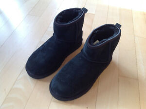 UGG Women's Classic Mini Crystal Bow Winter Cow Suede Boots