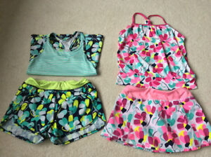 30 piece of girl clothing size 6 years old in great condition