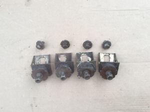 Set de engine mount BRP formula 3 96, $30  Luc au 450-456-3139
