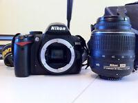 Nikon D3000 + lentille + Case + Trépied + Chargeur