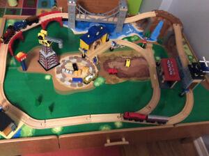 Imaginarium train set and table