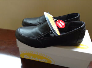 NEW IN BOX---'DR SCHOLLS' Women's Shoes--SIZE 6 1/2--WIDE WIDTH