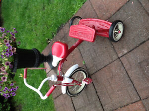 Beau tricycle Radio Flyer