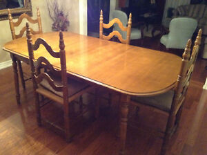 Dining Room Table with Chairs and Hutch/Cabinet
