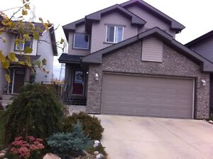 Single house for rent at Ellerslie Height(south east Edmonton)