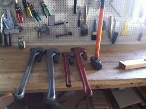36'' PIPE WRENCHES AND 24''