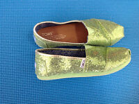 Toms shoes youth size 3
