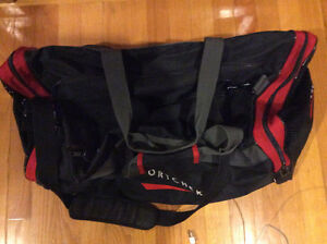 HUGE SPORTCHEK BLACK HOCKEY BAG IN PERFECT CONDITION